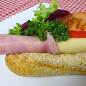 baguett med ost og skinke