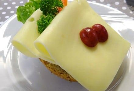 rundstykke ost